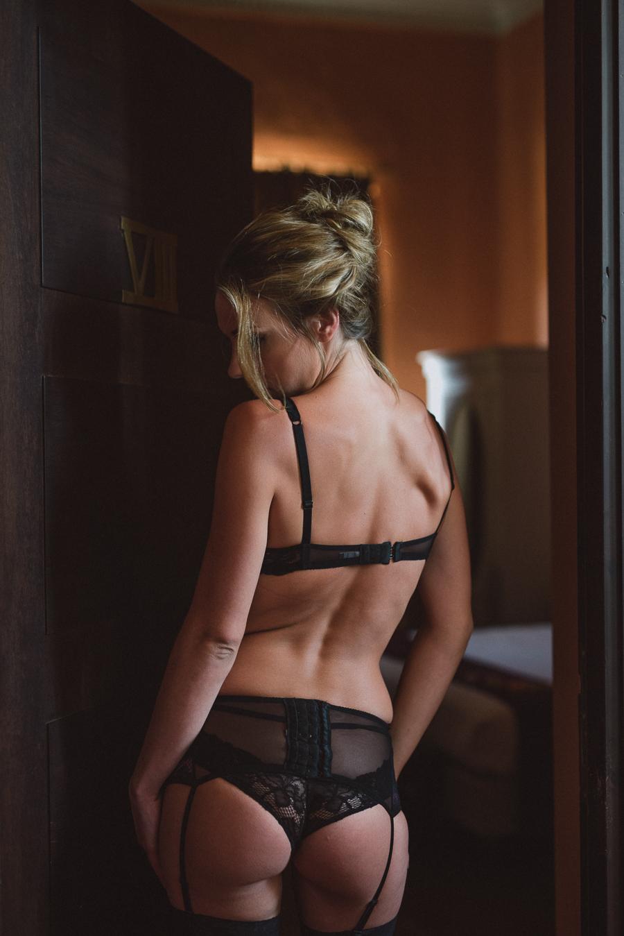 Sexy boudoir session